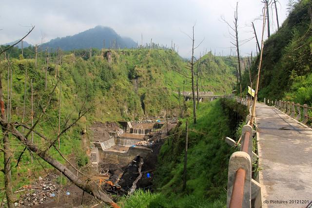 Jembatan Plunyon, Kali Kuning