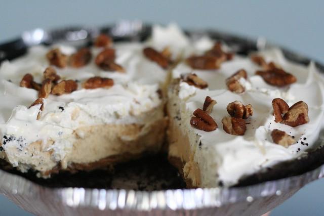 Oreo Cookie Butter Pumpkin Ice Cream Pie