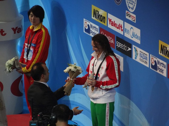 Flowers for Hosszu at Istanbul 2012