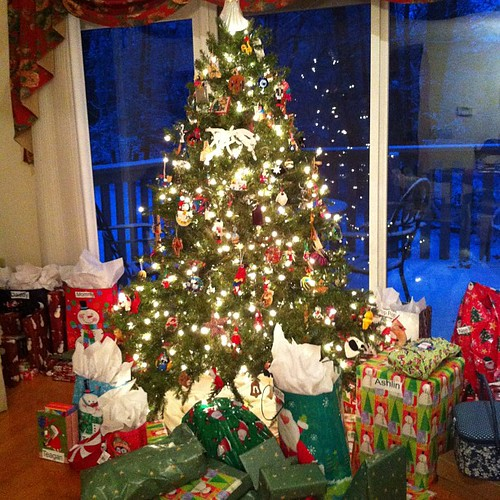 #christmas #tree with #presents. Before