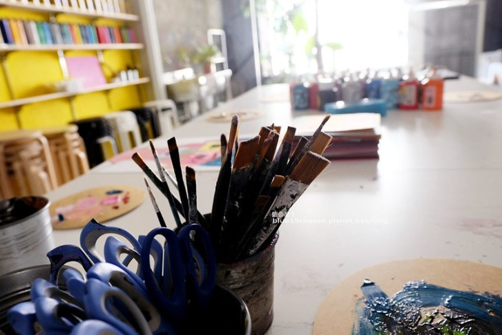 27993329413 2a0de99236 c - Vision Art-藝術與工藝用品商店.畫畫課程.皮革托特包.水墨畫.植物課.可愛店狗冰冰.還有咖啡奶茶飲品和鬆餅喔!第四信用合作社斜對面