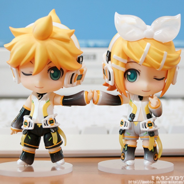 Nendoroid Kagamine Len and Rin Append version