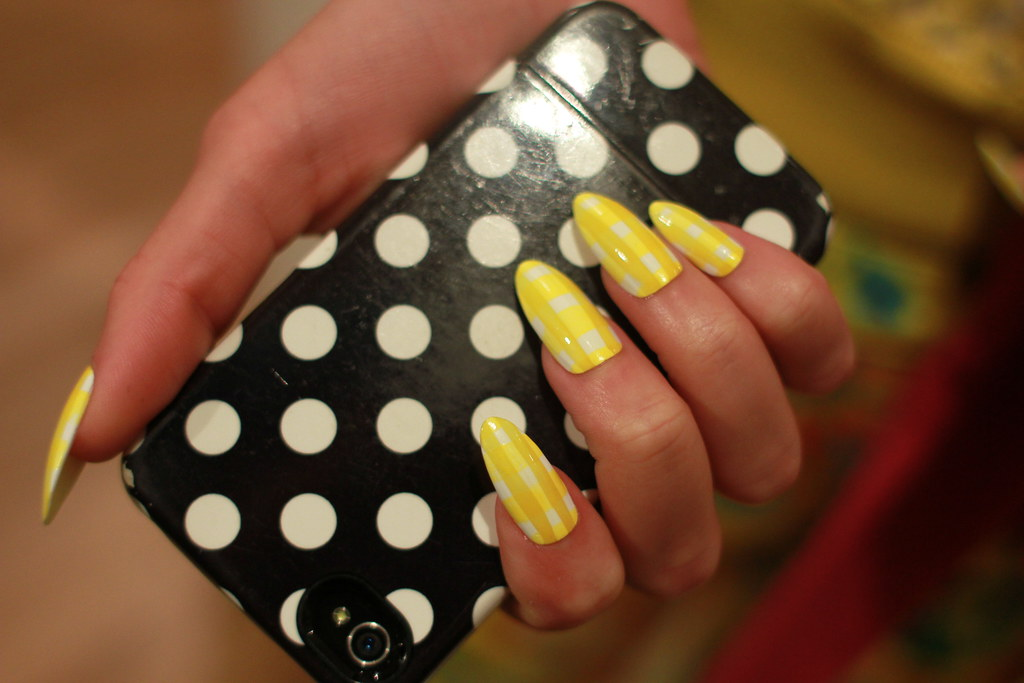 KATE SPADE S-S 2013 BACKSTAGE 022