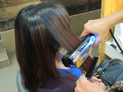 trying out the SteamPod SteamCare Hairrevolution with L'Oreal Professionel and Bench Fix Salon