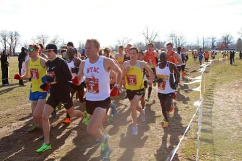 Elite men large lead pack