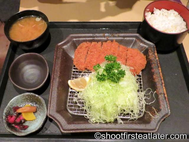 rosu katsu set (black pork) HK$168