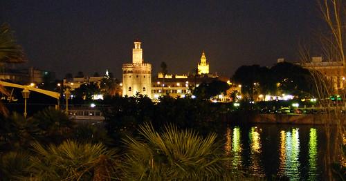 La Torre del Oro, la Giralda y el Guadalquivir