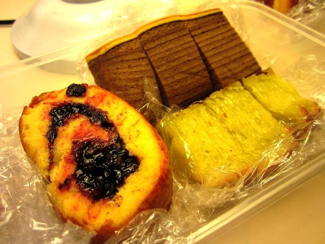 Medan cakes 1