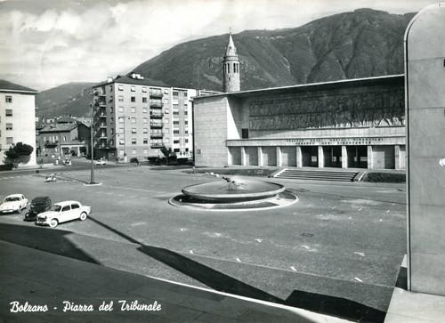 postcard - bolzano - piazza tribunale - 1963