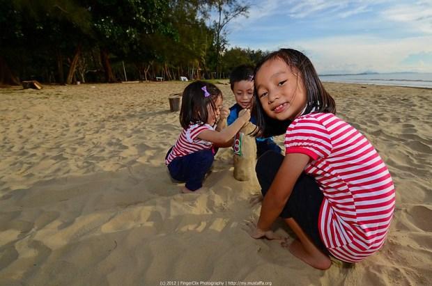 Main Pasir | Pantai Tanjung Aru, Sabah