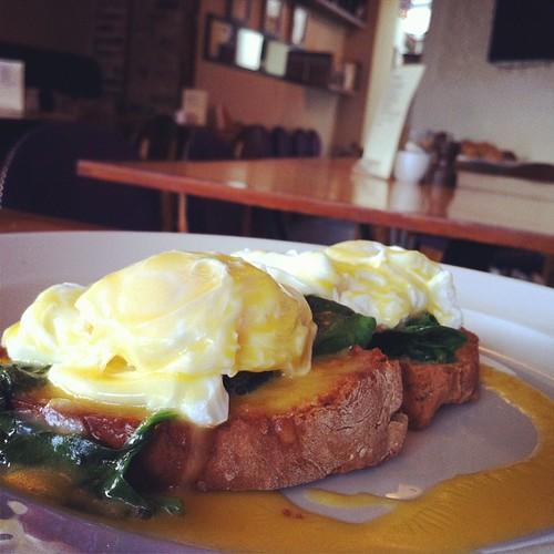 Eggs Florentine at @fennsquay for breakfast.