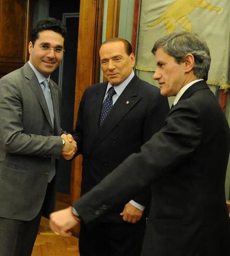 ROMA BENI CULTURALI e CAMION-BAR : I manifesti del consigliere Pdl Tredicine invadono Roma: molti sono abusivi, IL MESSAGGERO (29/03/2013). by Martin G. Conde