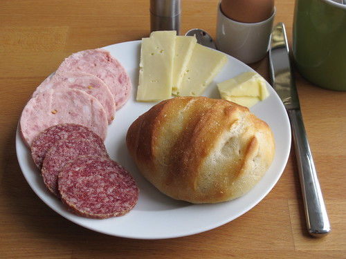 Von Dirk gebackene Brötchen zum Frühstück