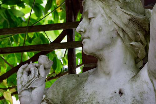 Statue in Auckland Domain Wintergarden