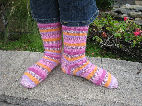Socks_2012_11_13_pink-orange-socks_2