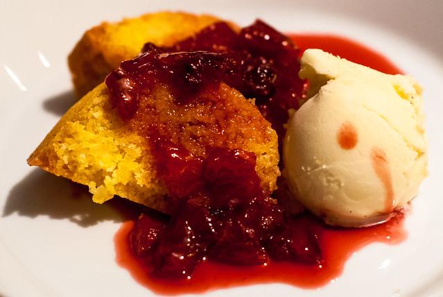 Amandel - polenta cake met bloedsinaasappel en Campari