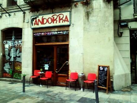 Andorra, petit restaurant/Restaurante pequeño. by debolsillo