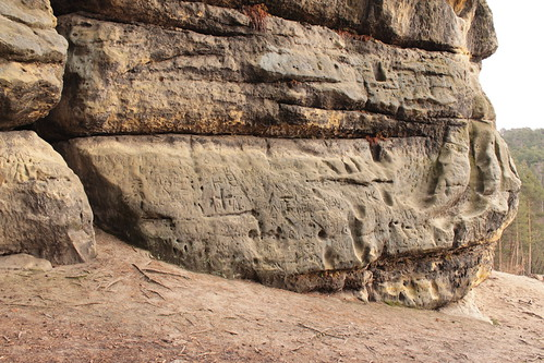 Erosion and carvings in the sandstone