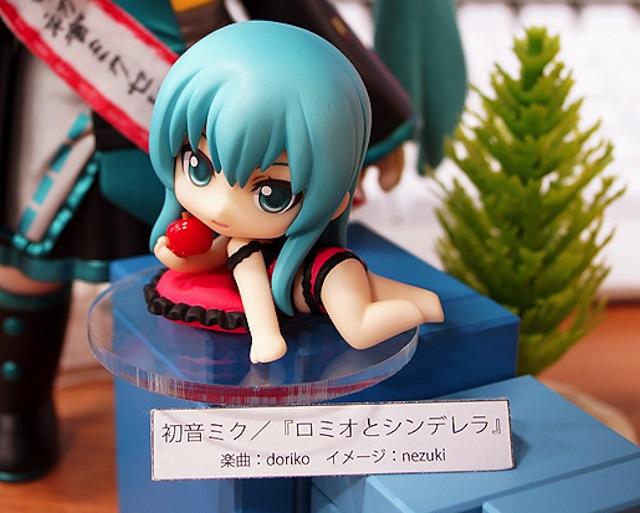 Nendoroid Petite Hatsune Miku: Romeo & Cinderella