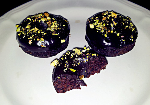 Dark chocolate Guinness donuts