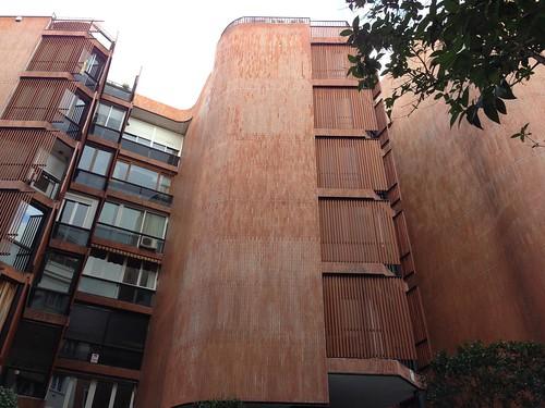 Edificio Girasol by yoxito
