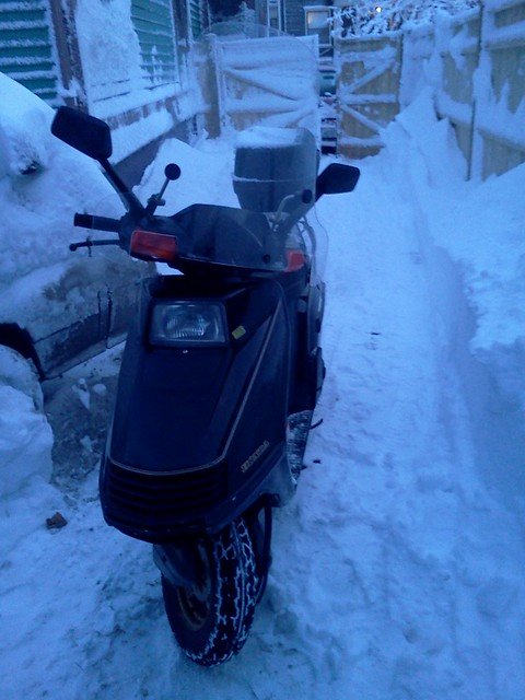 Honda Elite 250 survives the New England blizzard of February 2013, called commercially Nemo
