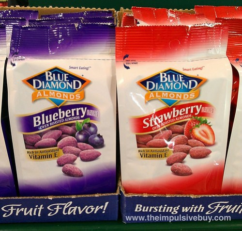 Blue Diamond Almonds Strawberry Blueberry