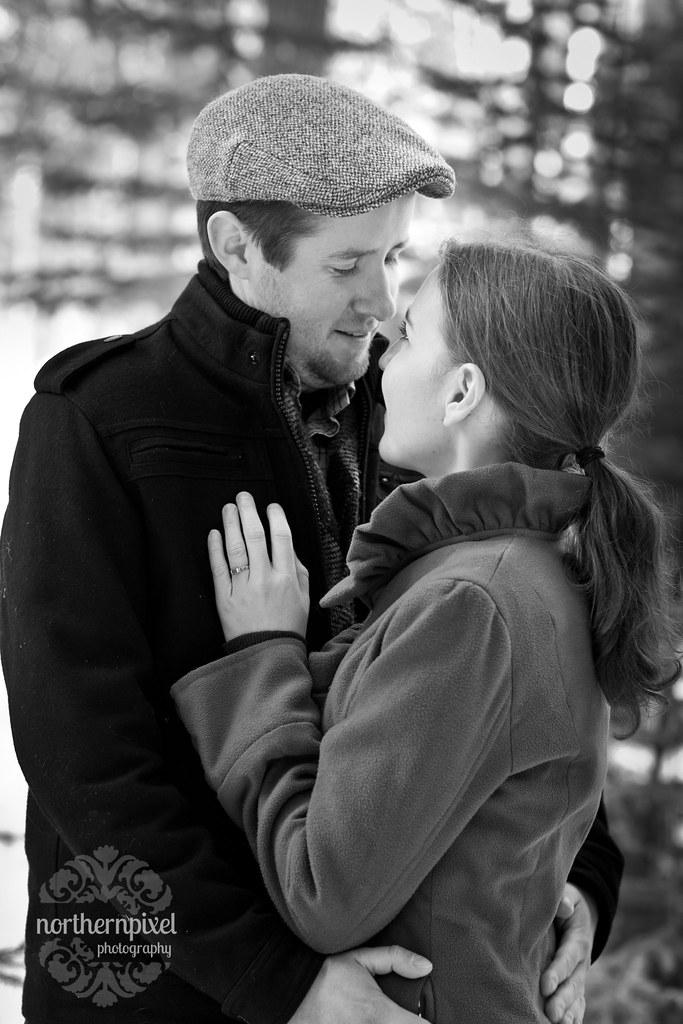 "Winter Engagement Session ""Black and White"""