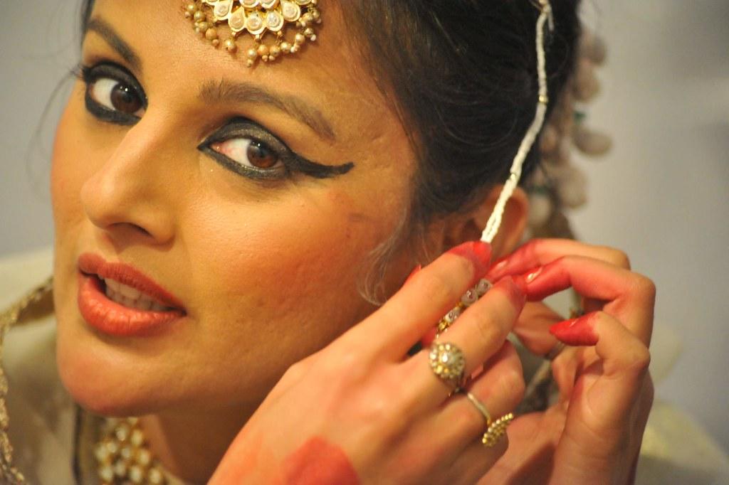 Jahan-e-khusrau 2013 : Kathak Danseuse Astha Dixit performs on Malini Awasthi's Vibrant Vocals