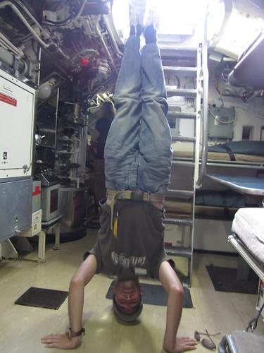 26. hmas onslow headstand