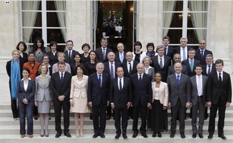 13d16 Libe Foto oficial Gobierno Hollande Uti 465