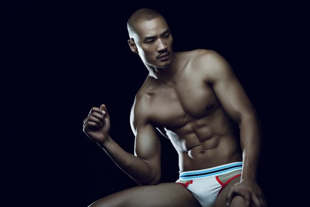 Paolo Roldan for Bench