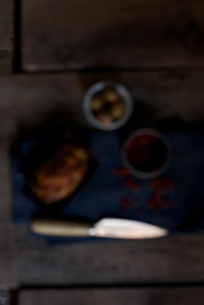 mini cake de chorizo, olivas y pimiento rojo