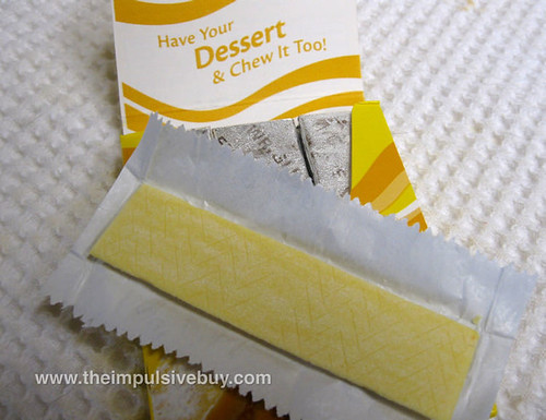 Extra Dessert Delights Lemon Square Gum Closeup,jpg