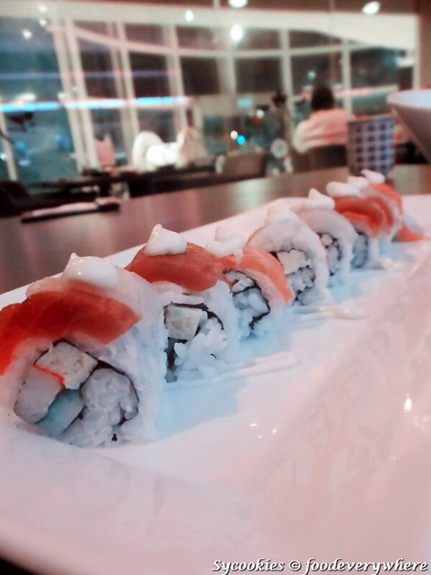 7.Rainbow roll, sushi roll with salmon, tuna, crab stick, avocado and cucumber (RM 23 for 8pcs)_副本