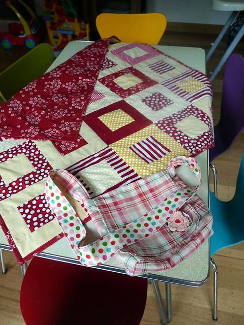 Quilt for new bub done and bag made for her big sis