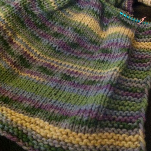 Ten inches!  Gettin there!  #knit #blanket
