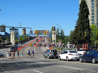 BMO Marathon Crosses the Burrard Bridge
