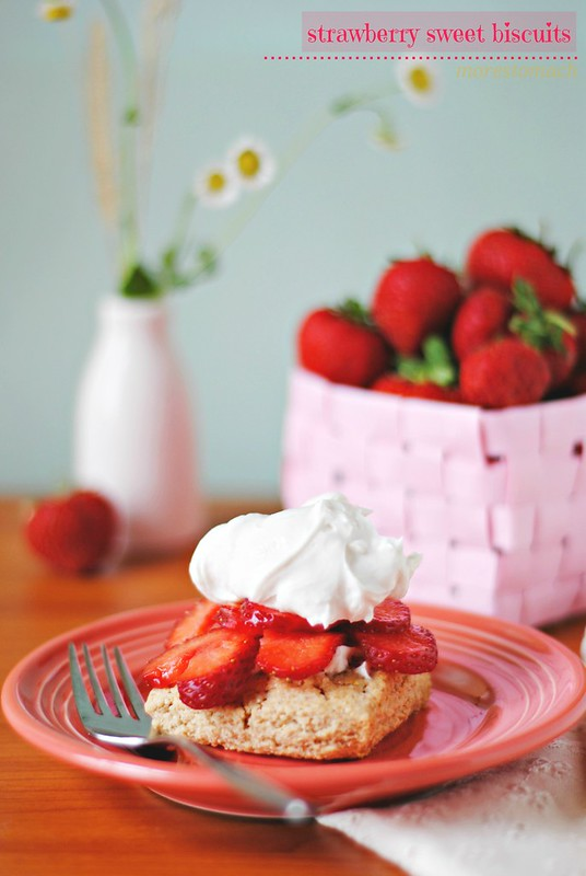 strawberry sweet biscuits