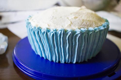 baking wedding cupcakes