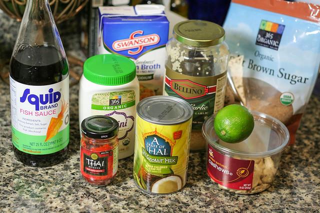 thai coconut curry sauce [ inthiskitchen.com ]