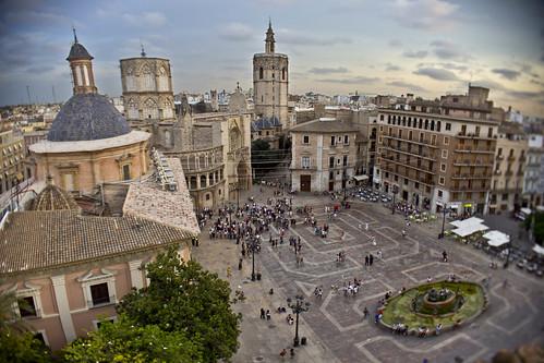 Plaça de la Mare de Deu, València by Monigote Valencia
