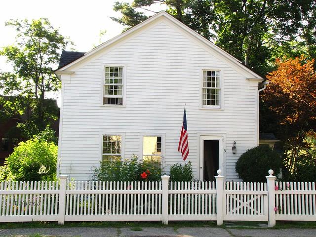 Old White House & White Fences