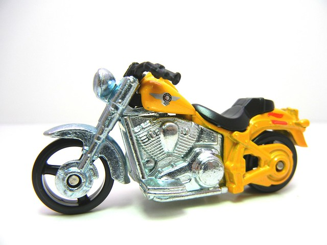 hot wheels harley davidson fat boy yellow (2)
