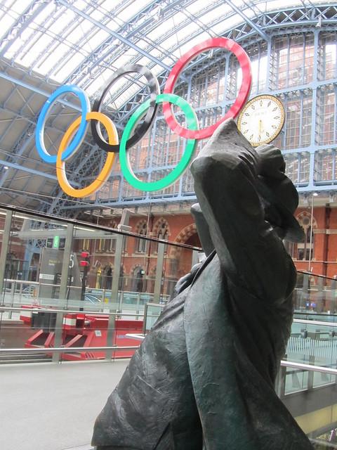 John Betjeman by Martin Jennings, St Pancras Station, London