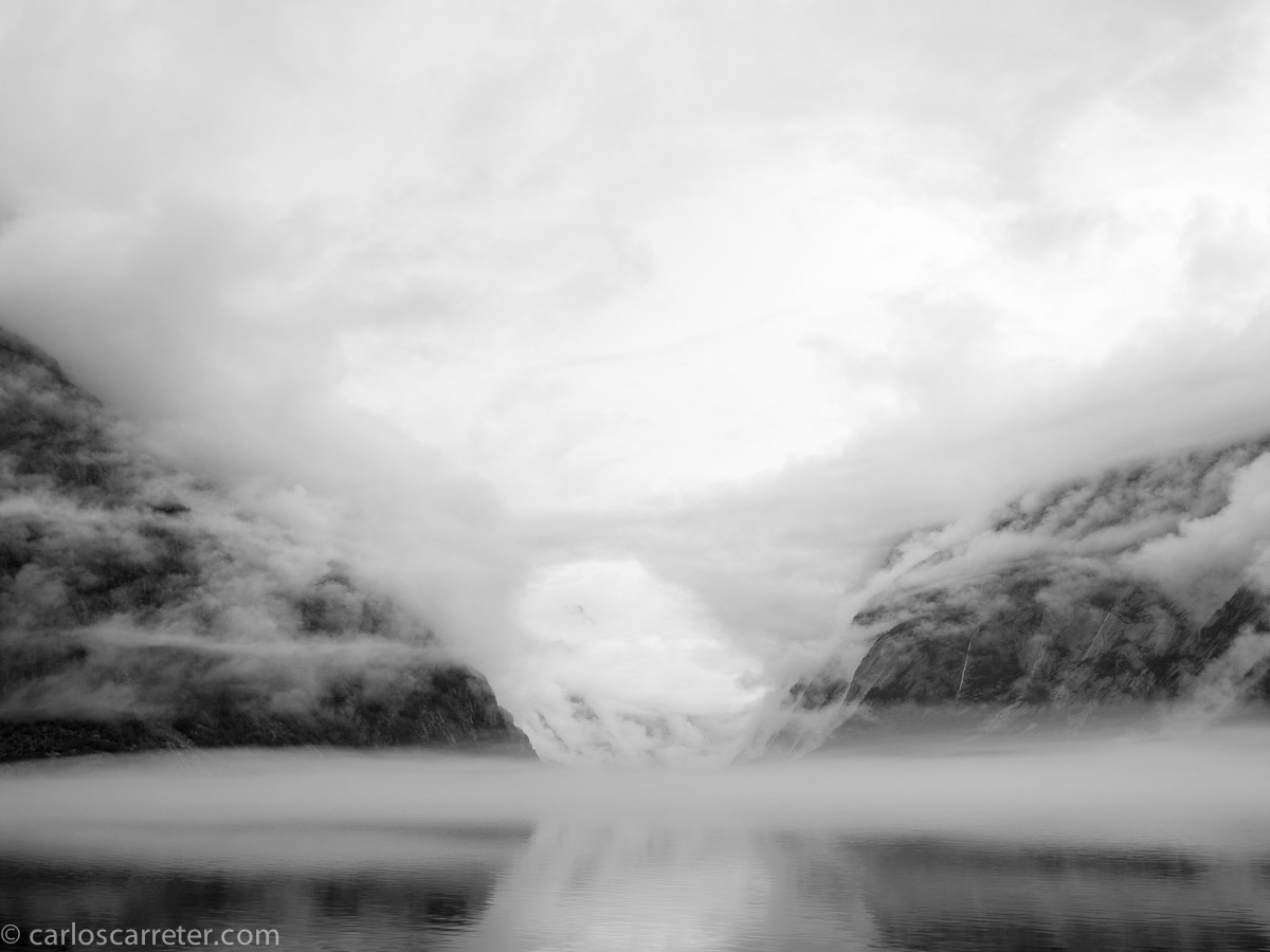 Niebla y lluvia en Eidfjord