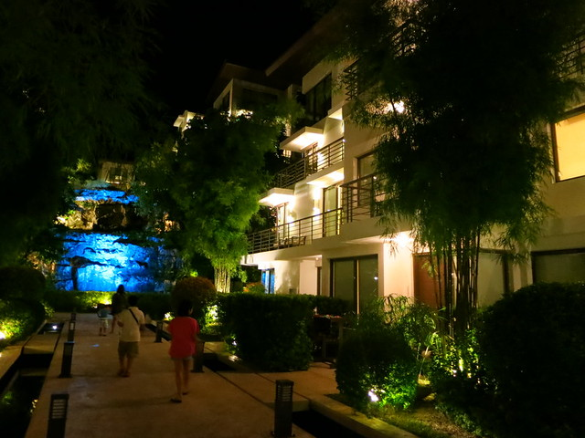 Discovery Shores Boracay by night-001
