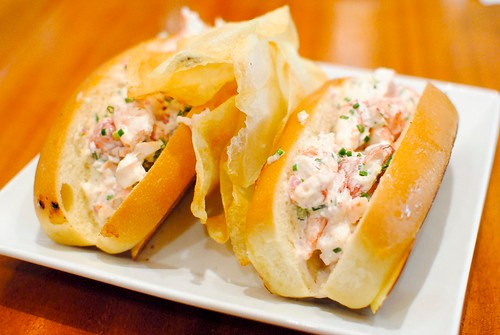 """maine lobster rolls 1/2 pound lobster """"new england style"""""""