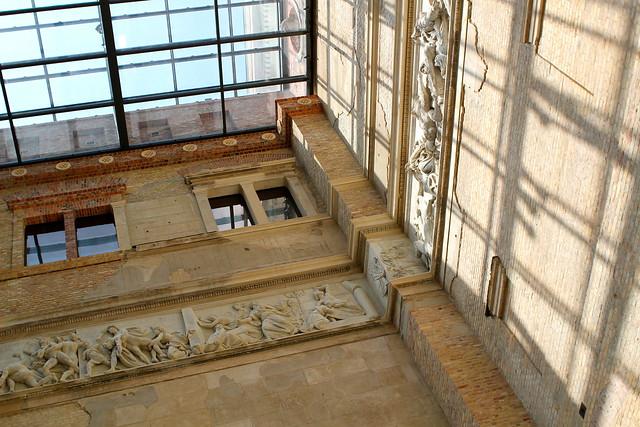 Designed by Stüler, damaged in WWII, rebuilt by Chipperfield