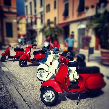tour in Vespa
